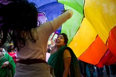 Gay rights activists march in New Delhi parade  NEW DELHI (AP) — Hundreds of gay rights activists danced to drum beats and held colorful balloons as they marched in a parade in New Delhi on Sunday, celebrating what they call the diversity of gender and sexuality.  Organizers said that while the gay pride parade celebrated the gains India's LGBT community has made in recent years, they also wanted to highlight the continuing discrimination it faces.