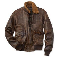 Me gusta esta chaqueta piloto. Parece cómodo. Es de color marrón y cuero.