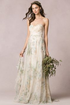 The 2016 Jenny Yoo Collection makes simplicity and elegance seem so… well, simple! See the beautiful bridal and bridesmaid collection inside.