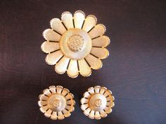 Sarah Coventry Daisy Brooch and Earring Set