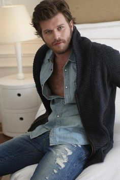 Your Destination for Authoritative Advice on Style👞 👔and Fashion👖 ⌚for Men, as well as expert-sourced information on how . Turkish Men, Turkish Actors, Scruffy Men, Evolution Of Fashion, Actrices Hollywood, Sexy Jeans, Actor Model, Gorgeous Men, Hot Guys