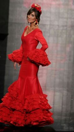 Precioso traje rojo de flamenca