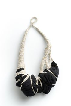 Necklace | Elinor de Spoelberch.  Textile