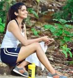 Pooja Sawant, Pooja Kumar, Raai Laxmi, Iphone Wallpaper Images, Beautiful White Dresses, Know What You Want, Indian Beauty, Insta Saver, Thighs