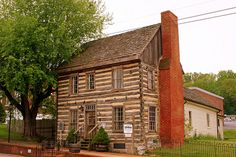 Historic Blountville Is The Perfect Destination For A Road Trip In Tennessee Old Cabins, Cabins And Cottages, Cabins In The Woods, Log Cabin Exterior, Log Cabin Homes, How To Build A Log Cabin, Log Home Living, Thing 1, Old Houses