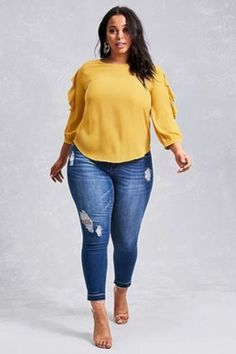 Plus Size Fashion for Women – Plus Size Outfits on Stylevore Curvy Outfits, Plus Size Outfits, Casual Outfits, Fashion Outfits, Fashion Tips, Fashion Ideas, Womens Fashion, Ladies Fashion, Fashion Fashion