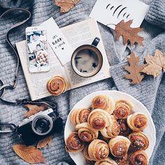 ✨ ριитєяєѕт: caιтlιn☽ food photography, inspiration, hygge Fall flatlay, looking forward to it 😁❤🍁 Autumn Cozy, Fall Winter, Autumn Coffee, Autumn Feeling, Autumn Morning, Fall Inspiration, Fashion Inspiration, Autumn Photography, Autumn Aesthetic Photography