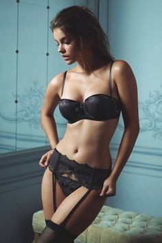 """Barbara Palvin newdies: """"Come visit Newdies for thousands more images of beautiful women. """""""
