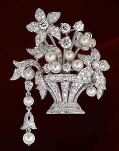 Cartier platinum brooch with pearls and diamonds