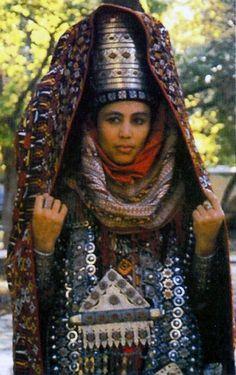 Turkmen traditional jewellery and dress