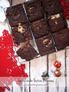 LINDOR assorted truffles add a surprise pop of flavor to these irresistible brownies! Try this recipe by at home for a double dose of chocolate delight. Lindt Truffles, Lindt Lindor, Lindt Chocolate, Chocolate Delight, Chocolate Brownies, Chocolate Lovers, Chocolate Heaven, Pudding Desserts, Pudding Cake