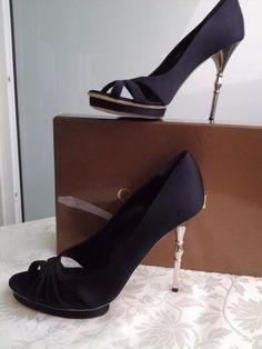 199.00$  Watch now - http://vioxd.justgood.pw/vig/item.php?t=78h6qm48316 - Gucci Debra high heel open-toe platform pumps Shoes bamboo heel sz 39.5 NIB