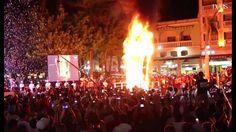 """Il est de coutume de brûler """"Monsieur Carnaval"""" à la fin de chaque défilé. Cette fois-ci, les habitants de de Veracruz, au Mexique, ont décidé de faire partir en fumée un faux mur pour protester contre le Donald Trump. Le président américain a en effet promis depuis sa campagne présidentielle de construire un mur entre les États-Unis et le Mexique. Ce à quoi le pays s'oppose catégoriquement."""
