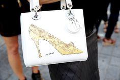 Sac Dior http://www.vogue.fr/defiles/street-looks/diaporama/street-looks-a-la-fashion-week-printemps-ete-2014-de-new-york-jour-5/15147/image/826696#!sac-dior