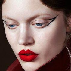 """""""Le Rouge et le Noir"""" Elsa Brisinger by Greg Swales for Vogue Brazil July Beauty Editor: Victoria Marchesi Makeup: Emily Mergaert Makeup Inspo, Makeup Art, Makeup Inspiration, Makeup Tips, Beauty Makeup, Eye Makeup, Hair Makeup, Makeup For Men, Makeup Ideas"""
