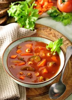 Hearty Vegetarian Vegetable Soup Recipes - http://www.homesteadingfreedom.com/hearty-vegetarian-vegetable-soup-recipes/