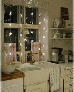 I Heart Shabby Chic: Kitchen goals in winter #kitchen #iheartshabbychic…
