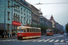 sa blíži k Mierovému námestiu z Ul. Bratislava, Street View, Retro, Retro Illustration, Mid Century