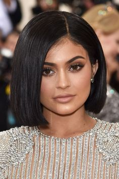 The Met Gala Beauty Looks You Need To See #refinery29 http://www.refinery29.uk/2016/05/109823/met-gala-beauty-looks-2016#slide-5 Kylie JennerOkay, we're 99% sure it's a wig, but it's still sort of jarring to see Jenner with a classic A-line bob. ...