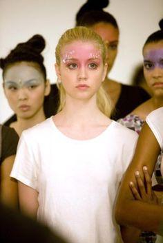 Allison Harvard Allison Harvard, Catwalk Makeup, Runway Makeup, Show Makeup, America's Next Top Model, Pink Cheeks, Pretty People, Beautiful People, Beautiful Women