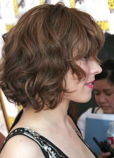 Rachel McAdams  short hair curled bob
