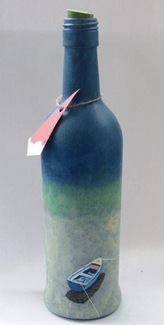 Decorative Bottles : Botella -Read More – Decoração De Garrafas De Vi… – Vase Diy Liquor Bottle Crafts, Wine Bottle Vases, Old Wine Bottles, Painted Wine Bottles, Lighted Wine Bottles, Diy Bottle, Painted Wine Glasses, Bottles And Jars, Pot Mason