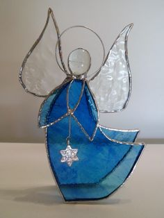 Kylin, ange de Noël bleu, vitrail