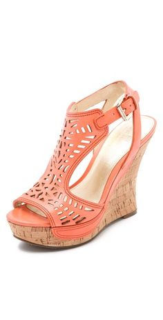 Loving these wedge sandals!  Great sale going on - click the picture to take you to the site.