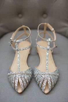 pinterest, pinned, weddings, wedding shoes, wedding fashion, badgley mischka, blue shoes, gold shoes, vintage shoes, wedding fashion and style #promshoesvintage