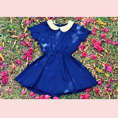 Vestido Vintage Doll Azul Marinho, Manga. Confira muito mais em nosso site Oficial www.surpreendastore.com  Curta #vestidoretro #modavintage #modaretro #pinup #lookretro #loveretro  #pinup #pinups #pinupgirl #lifestyle