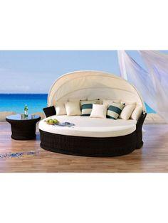 """Die """"Venus Lounge"""" mit Beistelltisch in der Farbe """"Coffee"""" - exklusiv bei Strandkorbwerk."""
