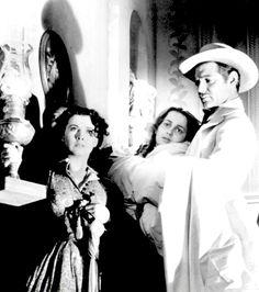 Vivien Leigh, Olivia De Havilland & Clark Gable ~ Gone With The Wind, 1939