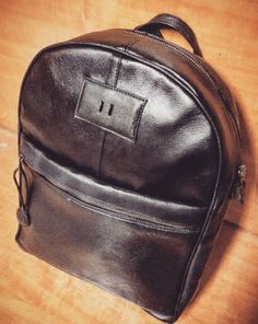 NEW Black leather backpack handmade! Made in Italy