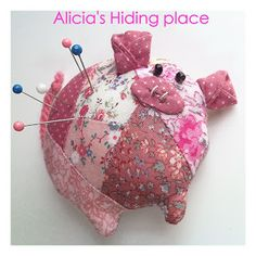 Alicia's hiding place: TUTORIALES ~ another language but the extensive images illustrate paper piecing very well ......