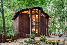 Vicco von Voss, a furniture maker, used timber-frame construction techniques and trees on site to build his 1,400-square-foot house in Centreville, Md. There are no nails in the frame; it's held together with wooden pegs. Credit Bruce Buck for The New York Times