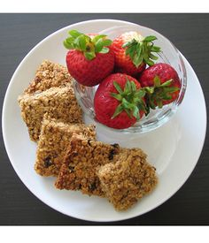 5 healthy snacks to combat the freshman 15 The Daily Californian healthy option b granola - Granola Sweets Recipes, Brunch Recipes, Appetizer Recipes, Appetizers, Crunchy Granola, Homemade Granola Bars, Weight Watchers Desserts, Yummy Cookies, Healthy Snacks