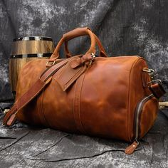 Leather Duffle Bag, Leather Luggage, Cow Leather, Leather Handbags, Duffle Bag Travel, Weekender, Travel Bags, Duffel Bags, Travel Luggage