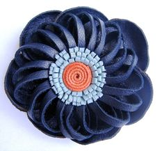 How to make Leather Flower Diy Leather Flowers, Denim Flowers, Felt Flowers, Fabric Flowers, Leather Accessories, Leather Jewelry, Leather Craft, Hair Accessories, Leather Tutorial