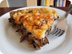 This is a delicious quiche. It was fun and easy. Breakfast Around The World, Mushroom Quiche, Cheese Quiche, Eat Breakfast, Greek Recipes, Stuffed Mushrooms, Easy Meals, Cooking Recipes, Yummy Food
