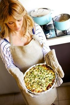 Large group to feed? Try this healthy Spinach & Ricotta Pie recipe featured by @YourTea - it will do the trick! Xx