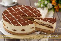Cheesecake al tiramisù, senza cottura in forno. La versione cheesecake del dolce più amato il tiramisù. Una ricetta facile ottima come dessert di fine pasto