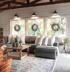 48 Awesome Farmhouse Living Room Ideashttps://carrebianhome.com/48-awesome-farmhouse-living-room-ideas/