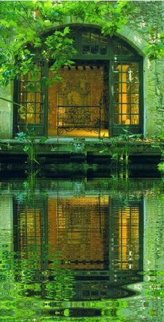Green reflections in water in Provence, France The Secret Garden, Exterior, Garden Pool, Green Garden, Water Garden, Garden Cottage, Belle Photo, Architecture, Shades Of Green