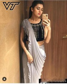 Presenting this beautiful outfit for you ——————————————————————————— .Yay' or 'Nay'. Raise your hand if you like to wear this Outfit . Wish To Buy And For Place the Order, Drop msg on dm Contact us or whatsapp Indian Fashion Dresses, Dress Indian Style, Indian Designer Outfits, Indian Outfits, Designer Clothing, Trendy Sarees, Stylish Sarees, Stylish Dresses, Long Dresses