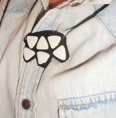 Cómo hacer un collar con piedras geométricas