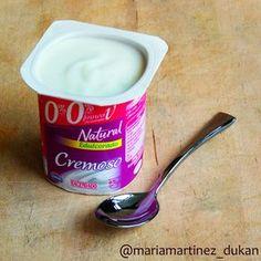 ¿Cómo saber si un yogur es apto para una dieta baja en hidratos como la dieta Dukan? Comprobando en la etiqueta la LISTA de ingredientes y la tabla de valores nutricionales. Más información http://recetasdukanmariamartinez.com/2013/08/01/yogures-permitidos-dieta-dukan/