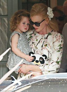 Shimmery angel: Nicole Kidman hugged her precious girl Faith as she celebrated her parents' wedding anniversary with husband Keith Urba. Foreign Celebrities, Celebrities Then And Now, Hottest Male Celebrities, Cute Celebrities, Celebs, Keith Urban, Nicole Kidman Family, Blake Lively Ryan Reynolds, Ladylike Style
