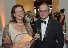 Zwei Personen, ohne die das FREIZEIT-Magazin undenkbar wäre: Eva Gogala und Bernhard Praschl schreiben hier seit über zehn Jahren ihre Geschichten. (Foto: KURIER/Jeff Mangione)