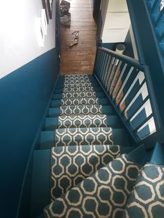 Stairs Runner: Quirky B Honeycomb by Alternative Flooring. Walls: Teal, Benjamin Moore and Grey Putty, Crown. Hallway Inspiration, Hallway Ideas, Landing Decor, Entryway Flooring, Alternative Flooring, Home Look, Benjamin Moore, Hallways, Honeycomb