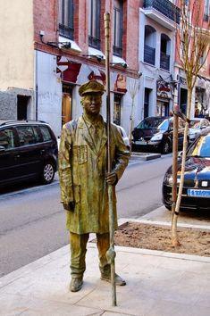 #paisajes #paisajesbonitos #madrid #madridcity #madridbonito Madrid City, Foto Madrid, Modern Sculpture, Sculpture Art, Most Beautiful Cities, Urban Art, Great Places, Mythology, Street Art